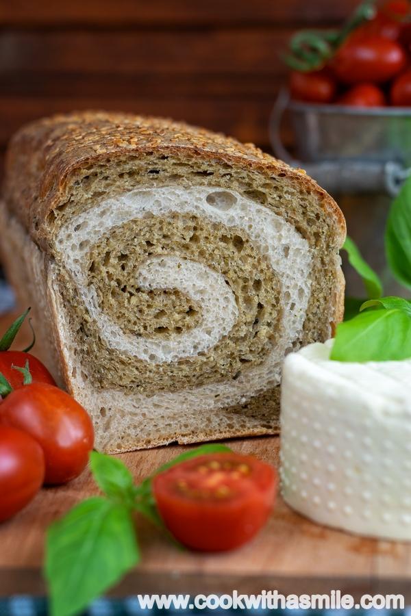 двуцветен хляб разрез