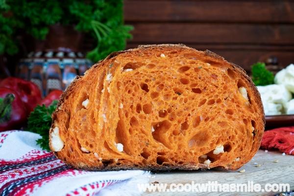 домашен-хляб-с-квас-и-печен-пипер