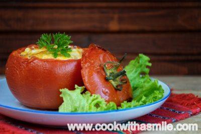 пълнени-домати-с-яйце-и-сирене-рецепта