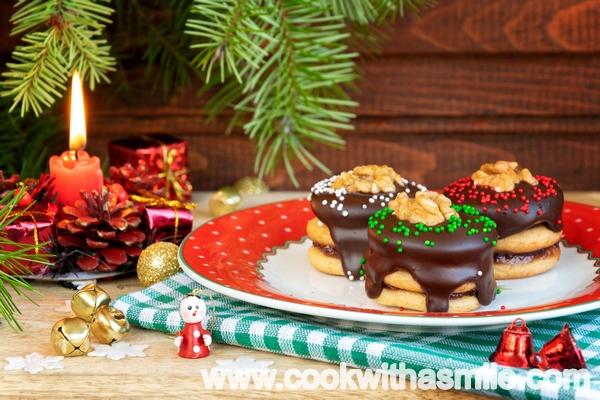 Меденки пастички с шоколадова глазура петифури с меденки