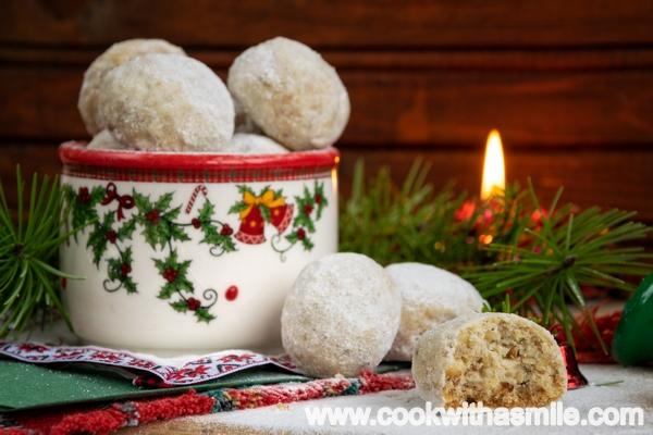 коледни сладки снежни топки маслени бисквити с орехи рецепта