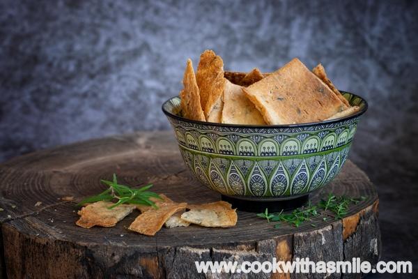 бързи солени бисквити с билки