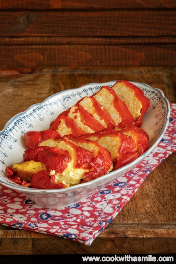 печени пълнени чушки с яйца и сирене рецепта
