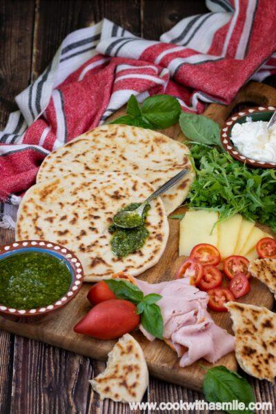 пиадина-романьола-плосък-италиански-хляб