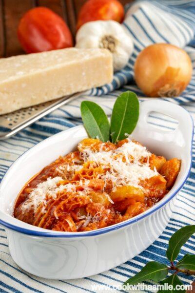 Шкембе-по-флорентински-с-доматен-сос