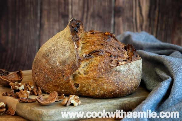 бирен хляб с орехи