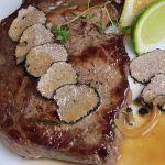 говеждо с черни трюфели и винен сос